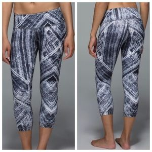 Lululemon Wunder Under Crop II *Full-On Luon